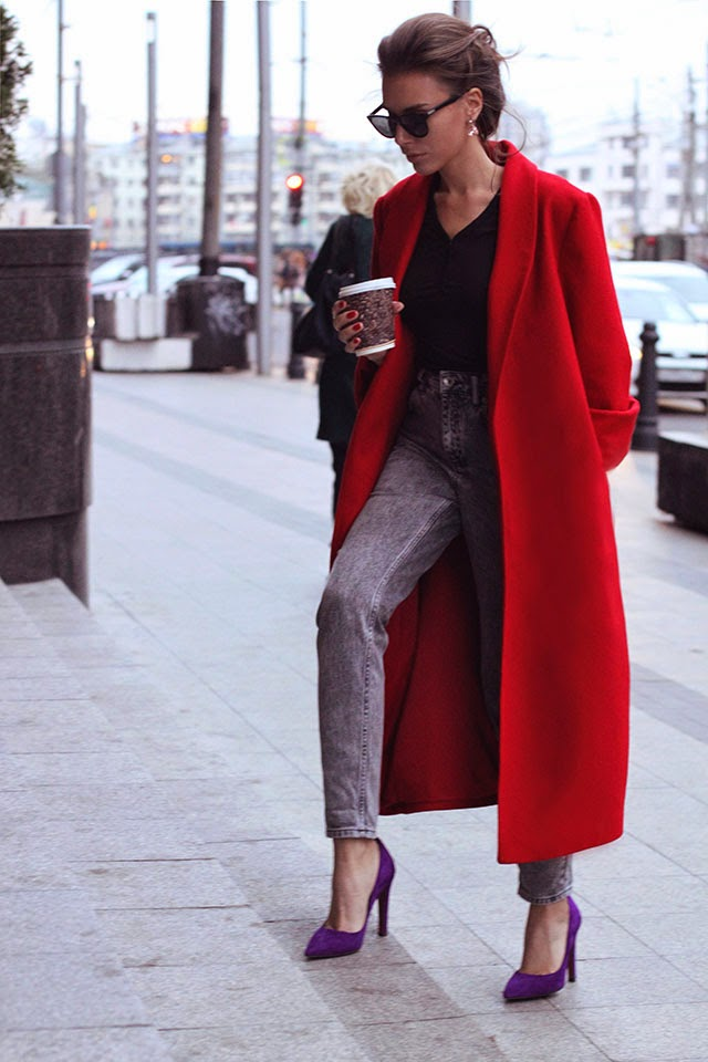 A Russian fashion blogger plays on length with an ankle jean paired with a high, slim heel.