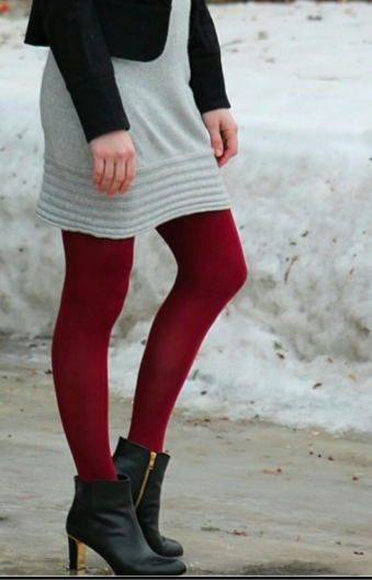 Image from http://babytfashiondiaries.com/2014/10/21/coloredprinted-tights-for-fall/