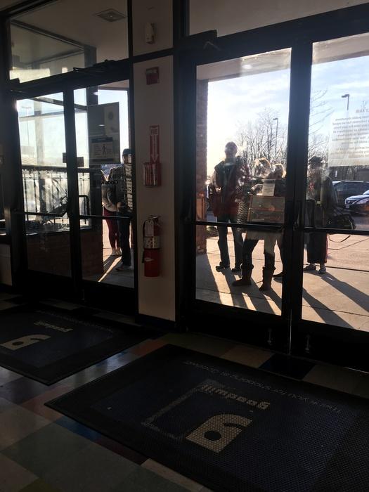 meetup shoppers waiting outside of the South Dakota Avenue Goodwill