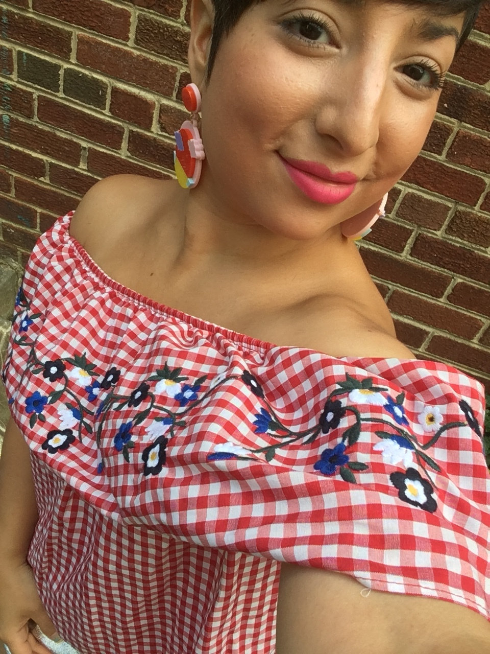 Carolyn wears gingham top found at Kings Highway Goodwill