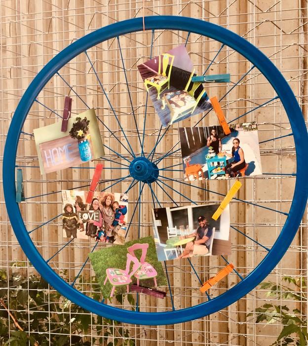 Tim's completed blue bike wheel memo board
