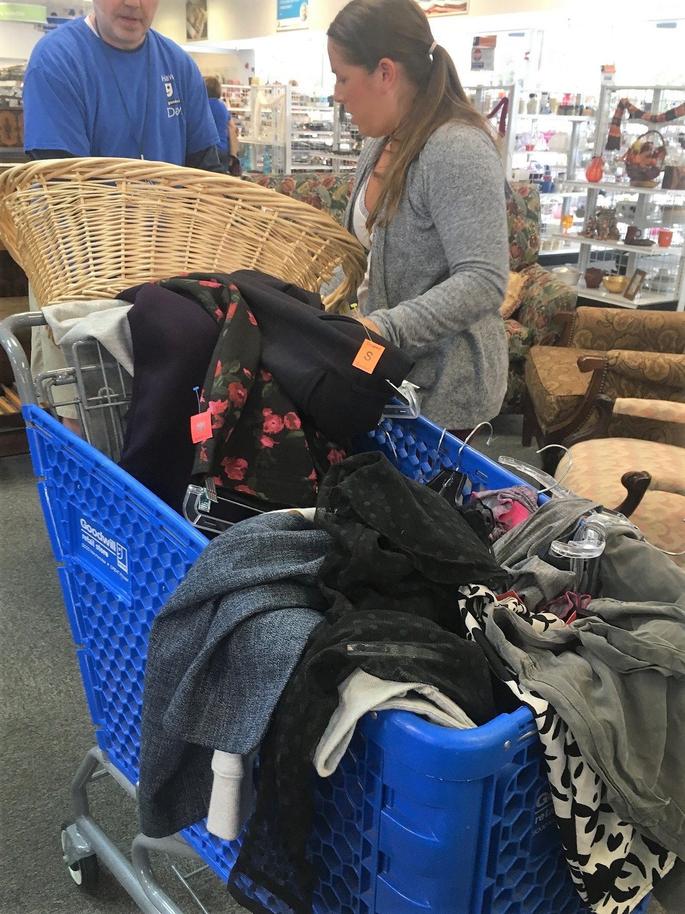 Meetup shopper's full cart at Richmond Highway Goodwill