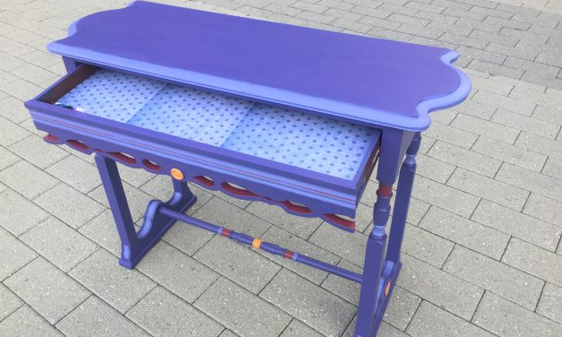 Bringing Out the Cheer: One Table, Two Color Ways