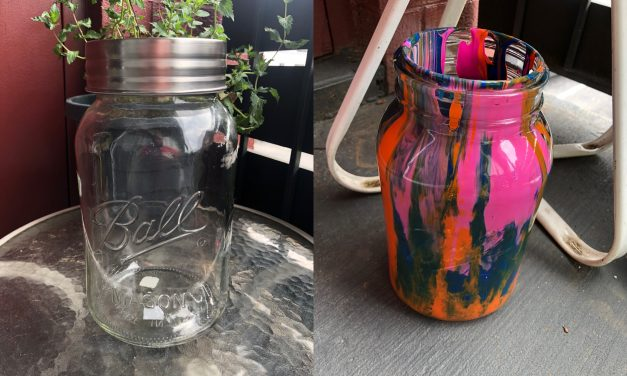 DIY: Painted Mason Jar Piggy Bank